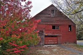 fall color old barn photo Missed Peak Fall Color, Though Trip East Anything But Drab