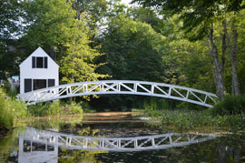 bridge maine Holiday in Maine yields serendipitous Rural Americana images