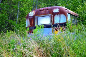 bus 300x198 Holiday in Maine yields serendipitous Rural Americana images