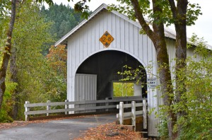 dsc 6235 300x198 Fall color elusive, but Rusted Relics and covered bridges pan out